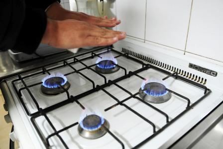 Aseguran que el consumo residencial de gas natural tuvo su peor caída en 24 años