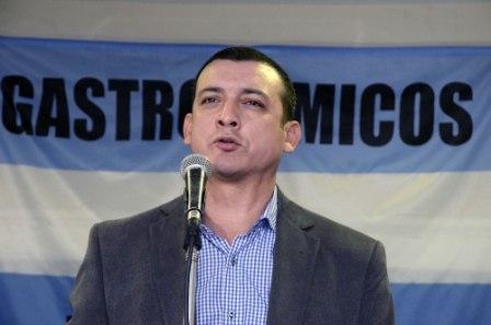 El Secretario General de la Unión de Trabajadores  Gastronómicos (UTHGRA), seccional Zona Norte, Fabián Agüero