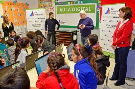 San Fernando incorporó Aulas Digitales Móviles