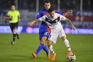 Vélez Sarsfield se llevó un valioso triunfo sobre el final ante Tigre en Victoria