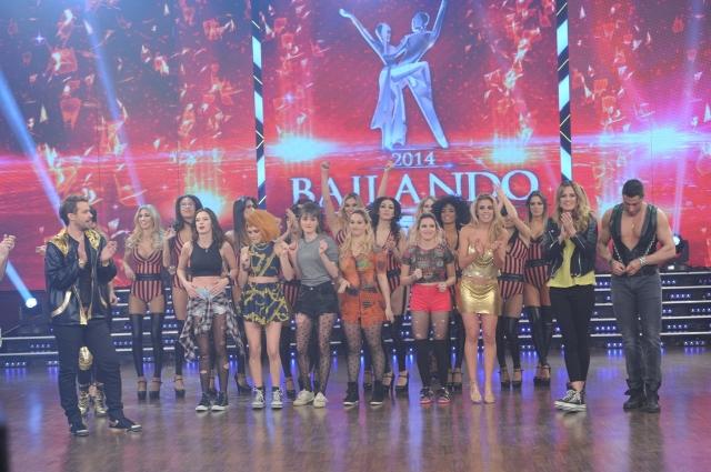 Pedro Alfonso y una multitud en la pista de Bailando 2014