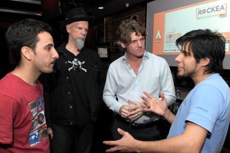 Capacitan a jóvenes músicos para profesionalizar su banda - Nicolás Scioli y Jimmy Rip