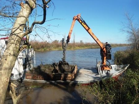 Realizan obras de mantenimiento en la red hidráulica de Dique Luján