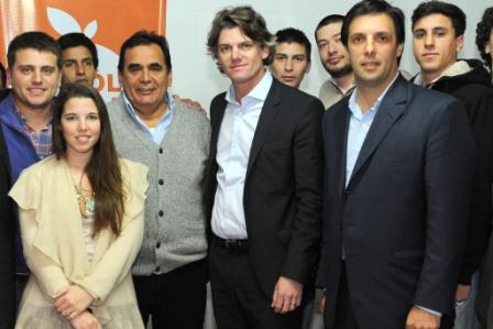 Nicolás Scioli y su equipo en Pilar, Tigre y San Fernando