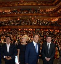 El gobernador bonaerense, Daniel Scioli, encabezó este sábado un acto en La Plata y, en un discurso con tono presidencial