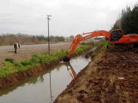 Realizan la limpieza de redes hidráulicas en Benavídez