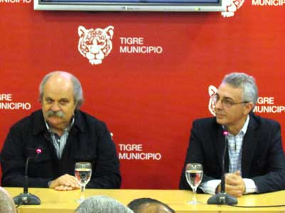 El jefe comunal, Dr. Julio Zamora, recibió al ministro de seguridad bonaerense, Alejandro Granados, para oficializar la entrega de 32 unidades de patrullaje