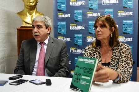 Anibal Fernández presentó su libro en el PJ San Isidro