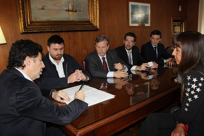 San Isidro firmó un convenio con el Instituto Universitario Escuela Argentina de Negocios