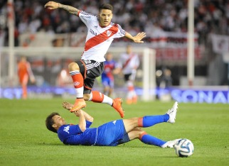 River se lució ante Tigre y es el líder del campeonato