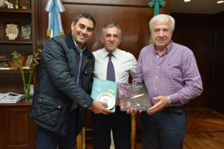 el ministro de Salud de San Luís, Gastón Isa, que recorrió el Polo Sanitario de Malvinas Argentinas y se reunió con el intendente Jesús Cariglino y el senador provincial Roque Cariglino.