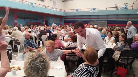 Más de cuatrocientos abuelos compartieron el día del jubilado en Vicente López