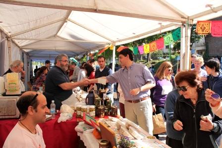 El mercado Sabe la Tierra vuelve los viernes a la noche de enero y febrero en la plaza Amigos de Florida