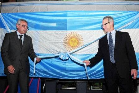 Julio Zamora visitó la nueva línea de producción de MSA Argentina