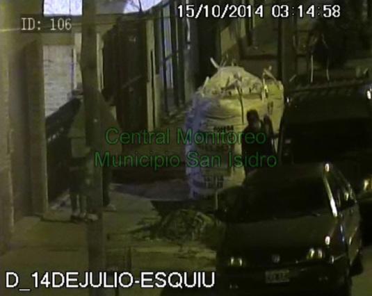Roban elementos de una camioneta en Boulogne y son atrapados