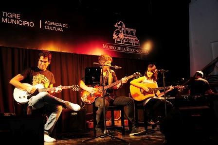 Los Beatles vs. Los Rolling en la mesa de debate cultural