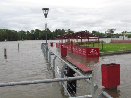 Cesa el alerta por sudestada en el Río de la Plata