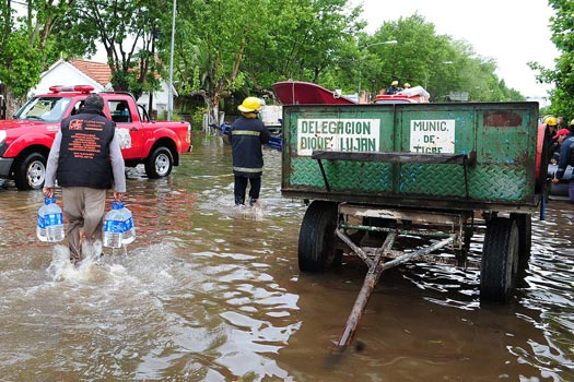 Asistencia para los vecinos de Dique Luján y Villa La Ñata afectados por el temporal