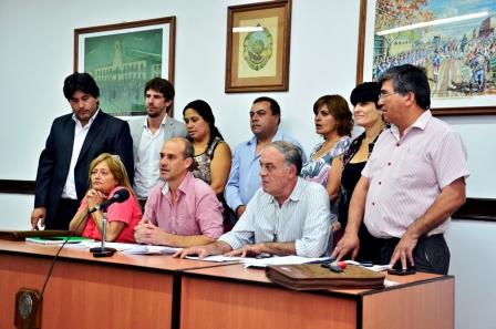 l bloque Frente Renovador explicó en conferencia de prensa uno de los puntos salientes tratados en el recinto