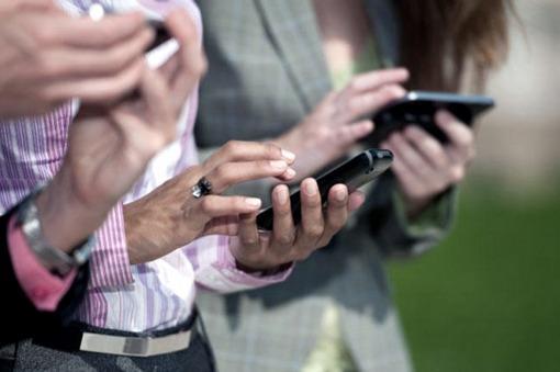 Las empresas de telefonía celular postergan los aumentos hasta Marzo