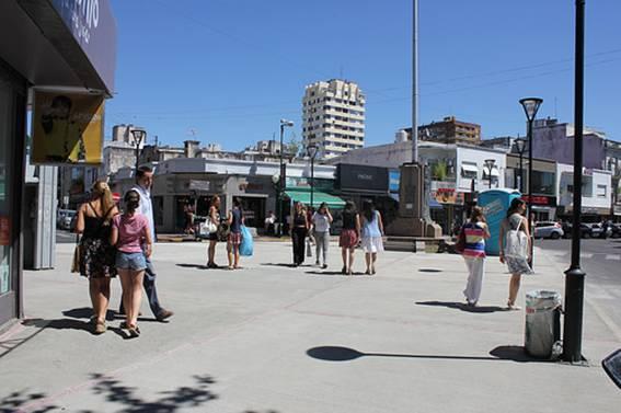 Inauguran una plazoleta en el histórico mástil de San Isidro