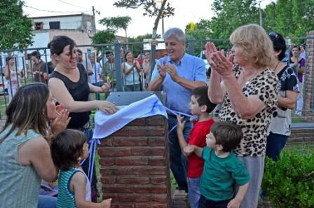"""Luis Andreotti inauguró la Plaza """"Don Carlos"""", en el barrio Infico"""