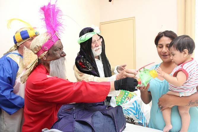 Los Reyes Magos alegraron a los chicos del hospital Materno Infantil de San Isidro