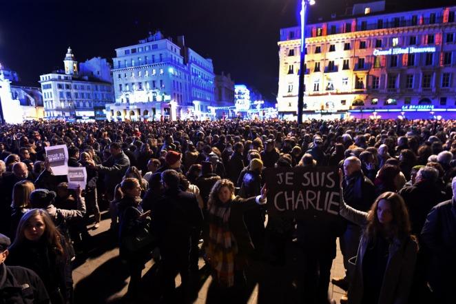 Francia: multitudinarias manifestaciones en repudio al atentado