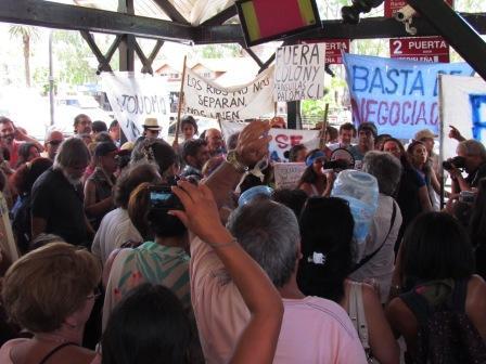 Vecinos del Delta protestaron contra el aumento del boleto en el  transporte fluvial