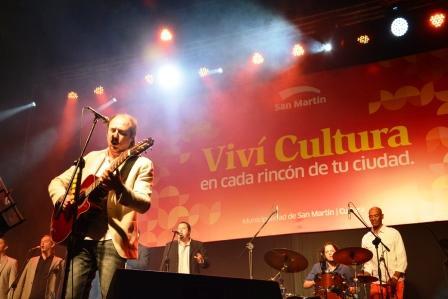 Jaime Roos brilló ante una multitud en San Martín