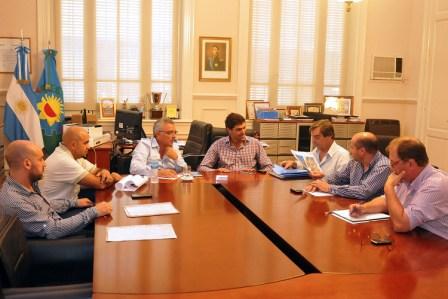 Julio Zamora se reunió con delegados municipales para proyectar las obras del 2015