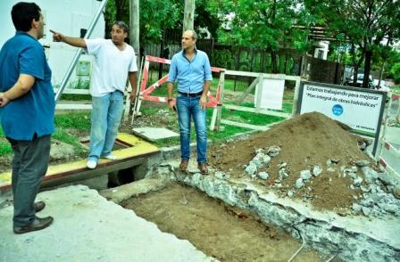 """Avanza el """"Plan de Desagües, Sumideros y Guardaganados"""" en los barrios Crisol y Santa Rosa"""