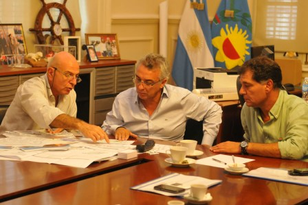 El intendente Dr. Julio Zamora mantuvo un encuentro con funcionarios de la Secretaria de Inversión Pública y Planeamiento Urbano,