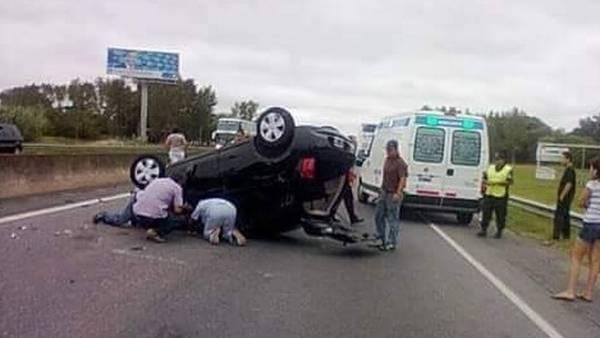 Barbie Vélez se accidentó en la ruta 2