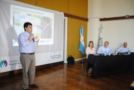 El intendente municipal Jorge Macri junto al subsecretario de Participación Ciudadana, Luis Parodi, presentaron los Foros Vecinales Barriales 2015