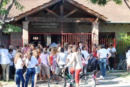 La escuela secundaria N° 7 de Rincón de Milberg no pudo iniciar las clases por problemas edilicios