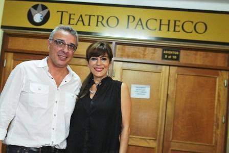"""Como parte de la temporada teatral en Tigre, la reconocida actriz se presentó con su unipersonal """"S.O.S., nací mujer"""". Allí, fue recibida por el intendente Dr. Julio Zamora."""