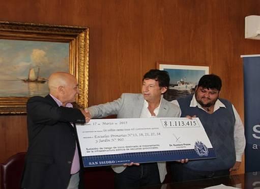 San Isidro entregó un subsidio para escuelas provinciales