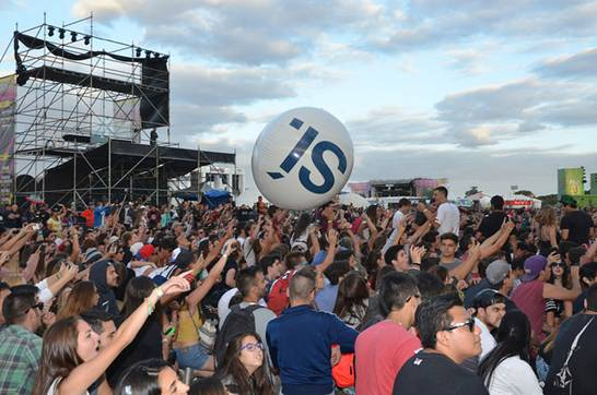 San Isidro se presentó en Lollapalooza con un mensaje de sustentabilidad