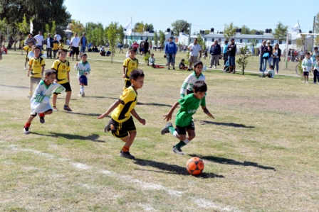 """Con más de 1500 chicos inscriptos, San Fernando realizó el lanzamiento de la """"Liga de Fútbol Infantil"""""""