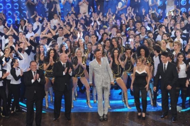 ShowMatch regresó con un impresionante show y más de 800 artistas en escena