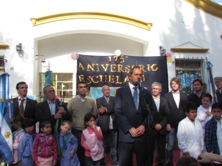 Daniel Scioli participó del 25 aniversario de la Escuela 10 de Villa La Ñata