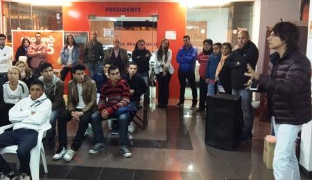 Gastón D´Aquino convocó a la juventud de San Fernando