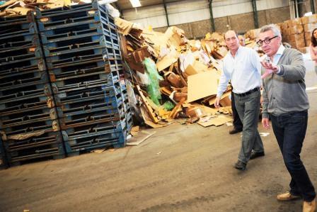 <br /> Julio Zamora recorrió una planta de reciclado en Benavídez<br />