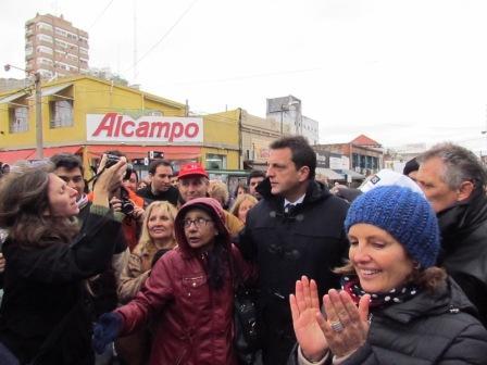Sergio Massa recorrió San Isidro y presentó sus políticas de género