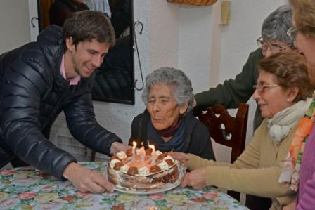 Laurentina, vecina de San Fernando, celebró su cumpleaños número 102