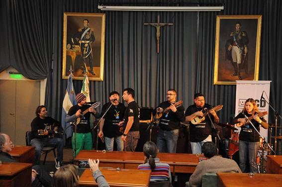 Wauqe exhibió lo mejor de la música andina en San Isidro