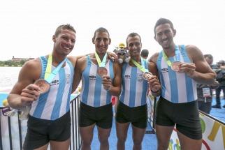 Cristian Rosso, Brian Rosso , Rodrigo Murillo y Ariel Suárez obtuvieron la medalla de bronce, con un tiempo de