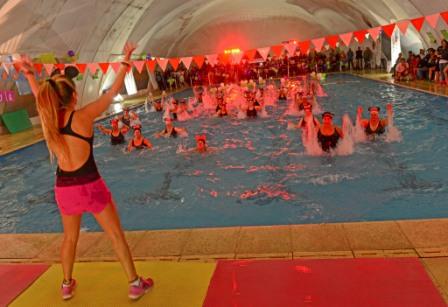 Gran gala de Aquagym en la pileta del Polideportivo N° 2 de San Fernando