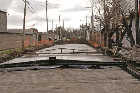 Realizan obras hidráulicas y pavimentación en el Parque Industrial de Don Torcuato